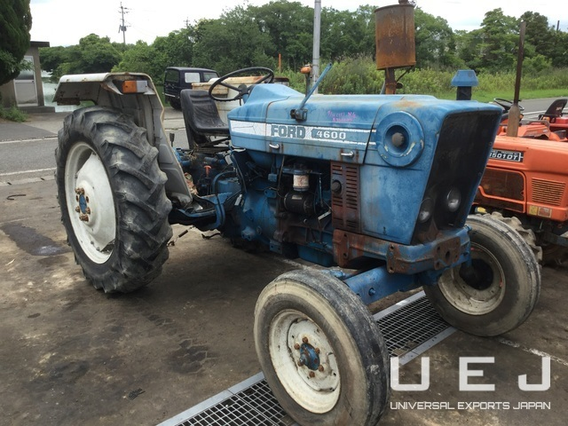 320477 TRACTOR FORD 4600